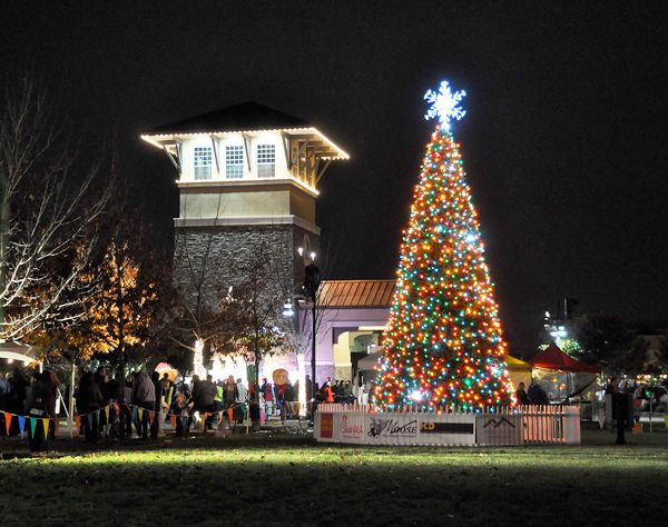 Rancho Cordova Christmas Tree Lighting 2020 Tree Lighting Draws Thousands